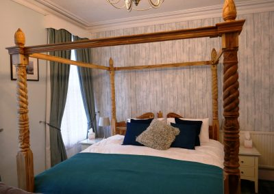 Room 2 Four Poster